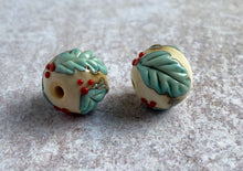 Load image into Gallery viewer, christmas lampwork beads