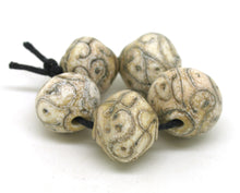 Load image into Gallery viewer, Graduated Ivory Glass Bead Set
