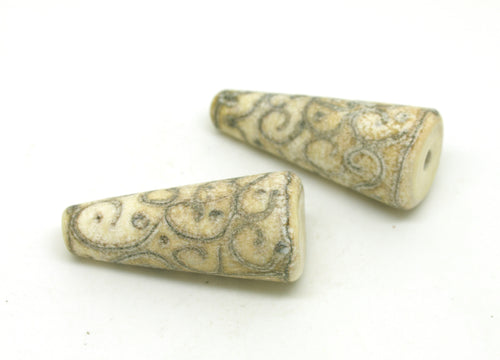 Ivory Scroll Glass Bead Pair