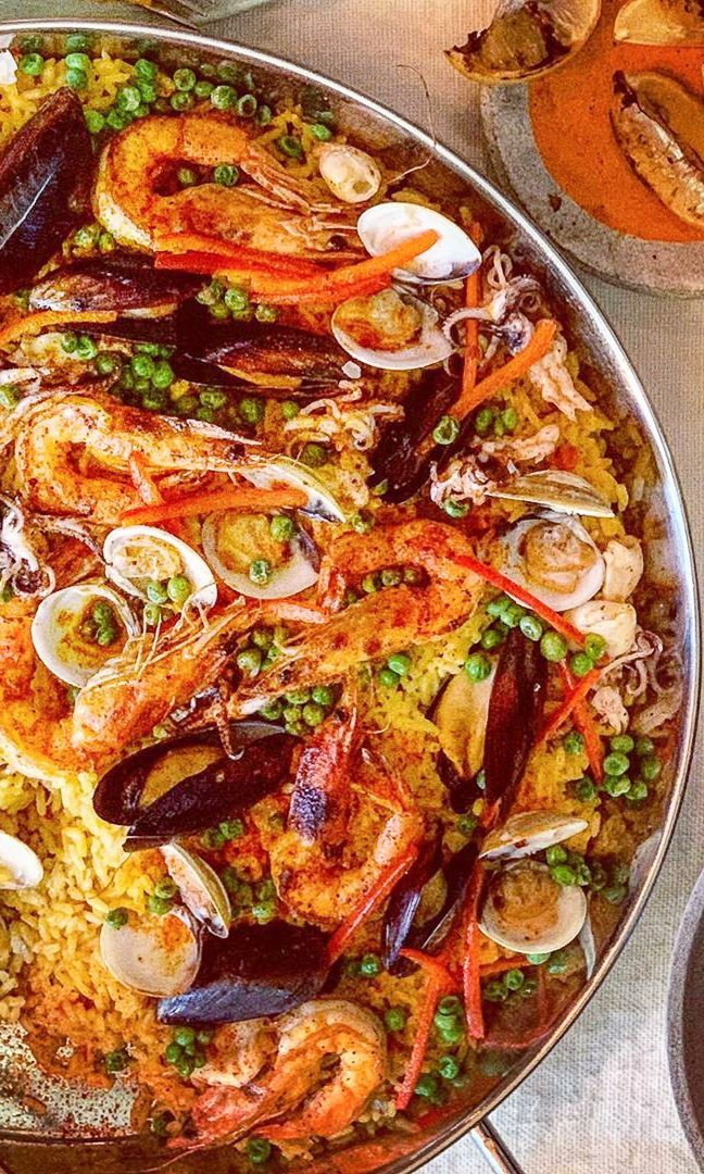 CHICKEN & SEAFOOD MIXED PAELLA