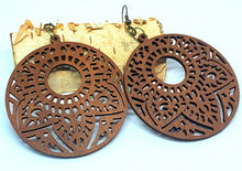 Load image into Gallery viewer, Wooden circle leaf round laser cut earrings - Shabbydabbsdesign