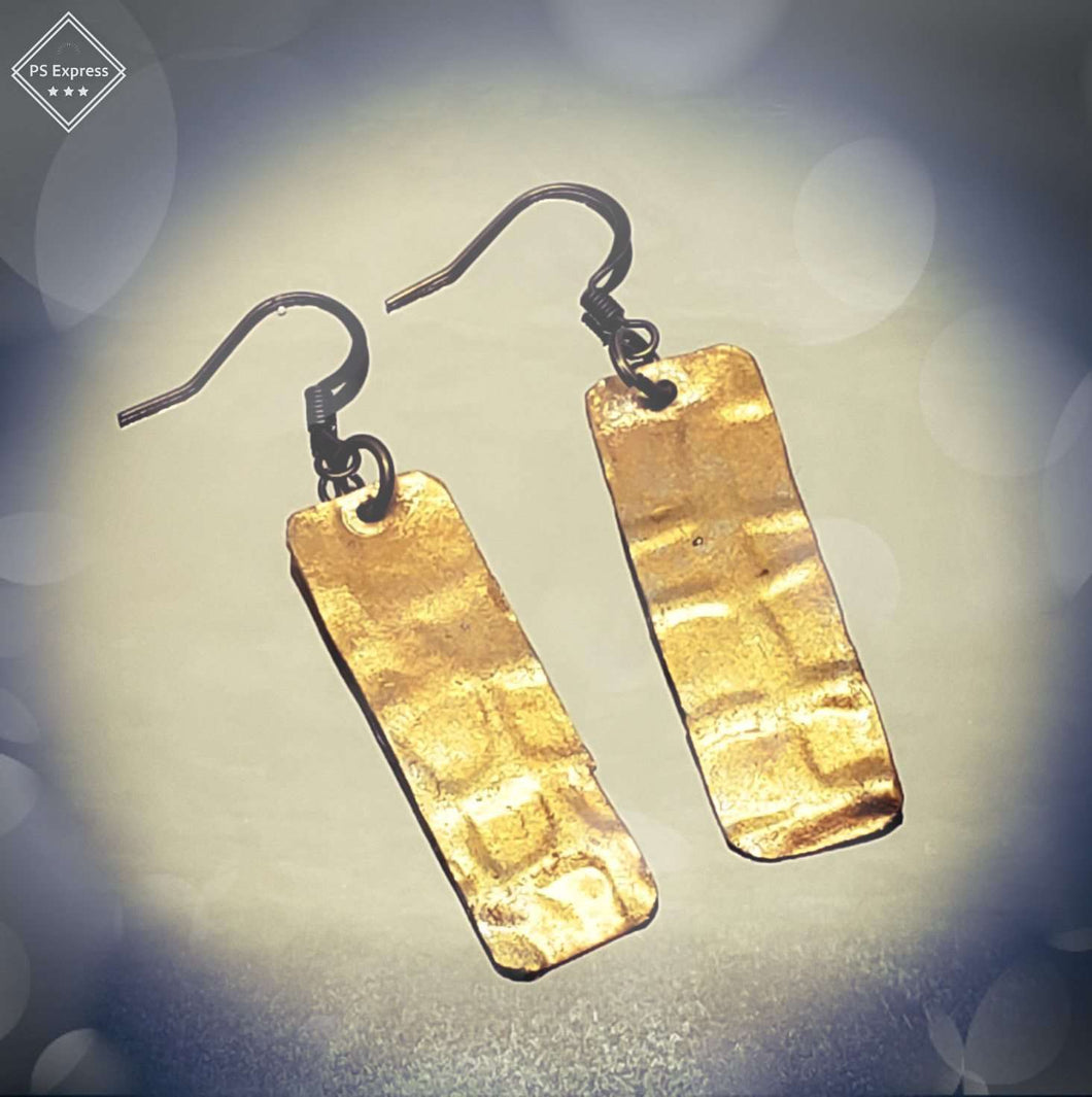 Vintaj art Metal embossed dangle earrings - Shabbydabbsdesign