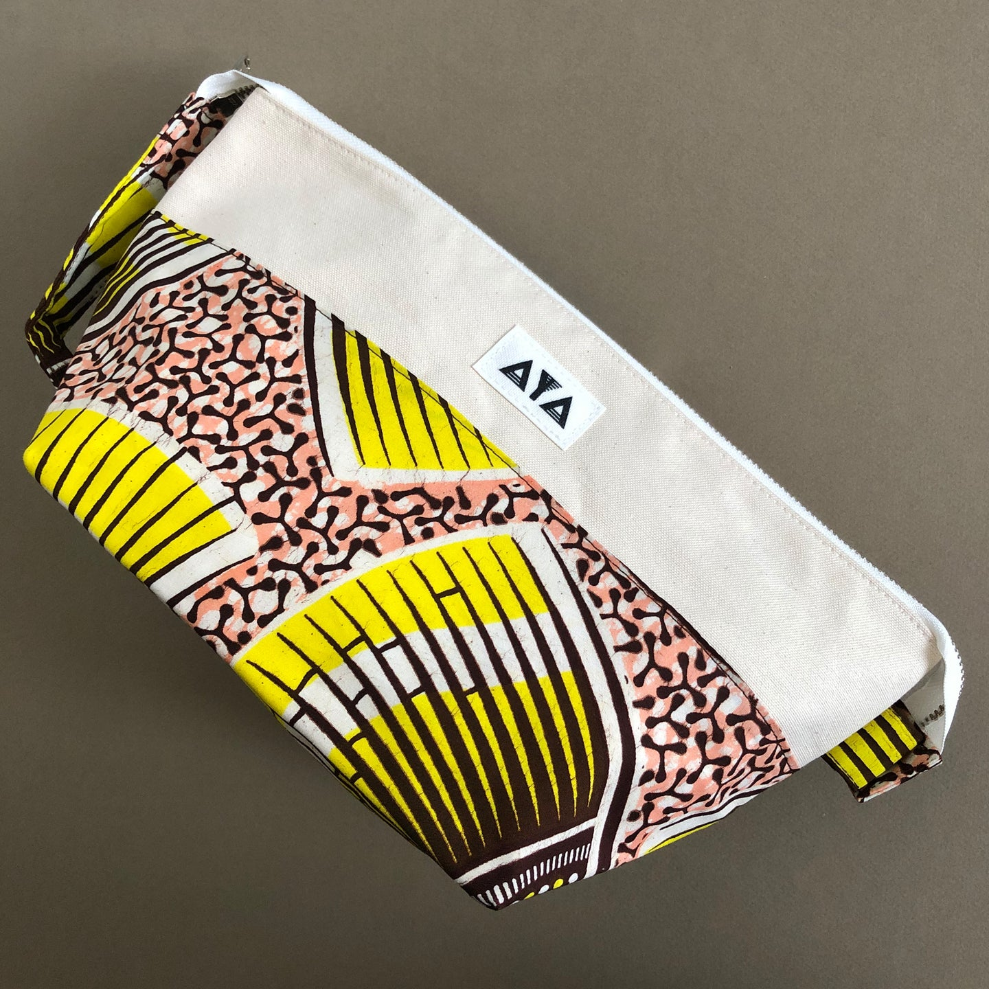 TRAVEL CLUTCH [Yellow Pink]
