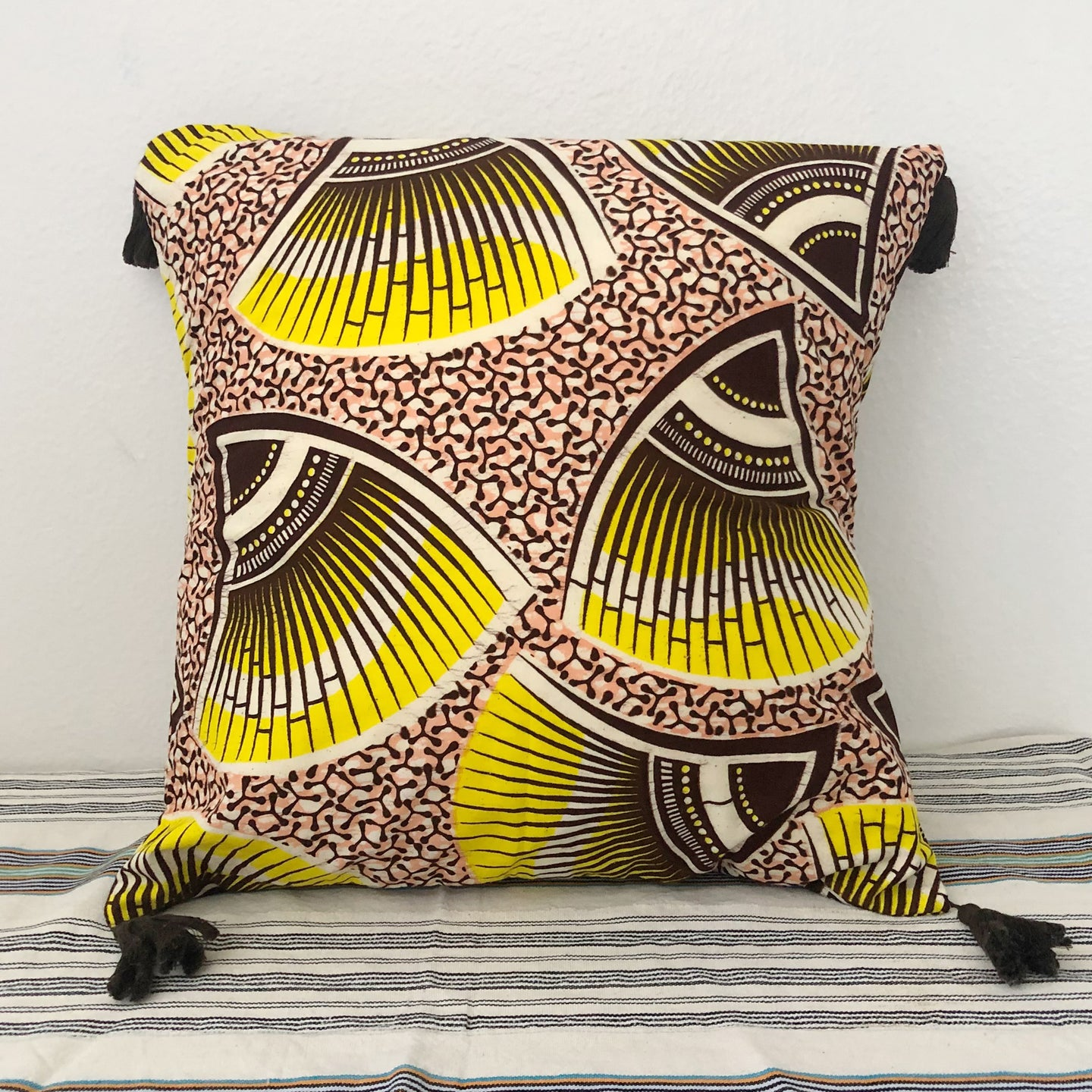 TASSEL CUSHION COVER  [Lemon Yellow]