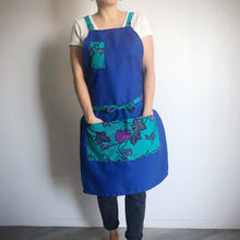 Load image into Gallery viewer, HAPPY APRON  [Emerald Ivy x Blue]