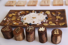 Load image into Gallery viewer, Leaves Wooden Stamper Set