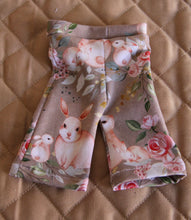 Load image into Gallery viewer, Bunny Print Flare Leggings