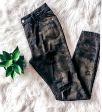 Load image into Gallery viewer, ON A MISSION CAMO PANT