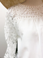 Load image into Gallery viewer, LOVELY LACE TOP