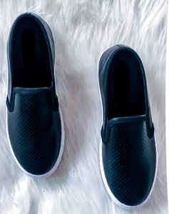 BLACK SLIP ON 'S