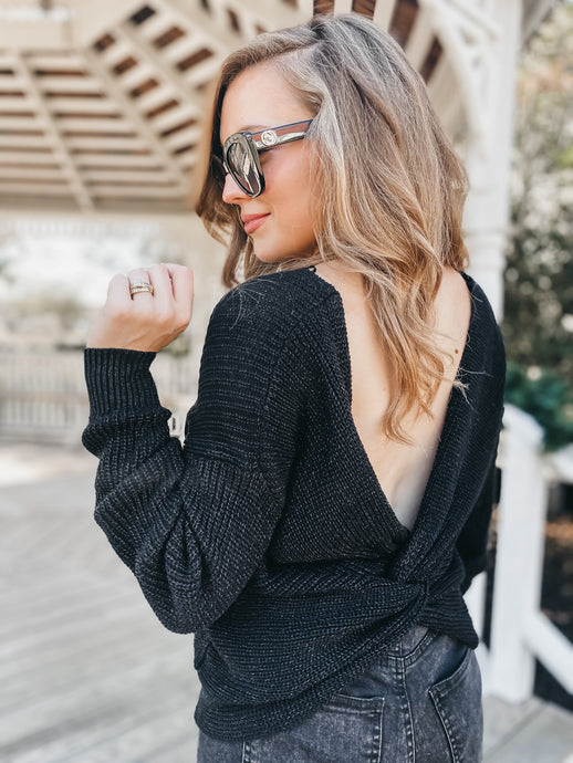 BLACK TWISTED BACK TOP