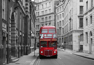 Papermoon London Bus Stop Vlies Fotobehang 350x260cm | Yourdecoration.nl