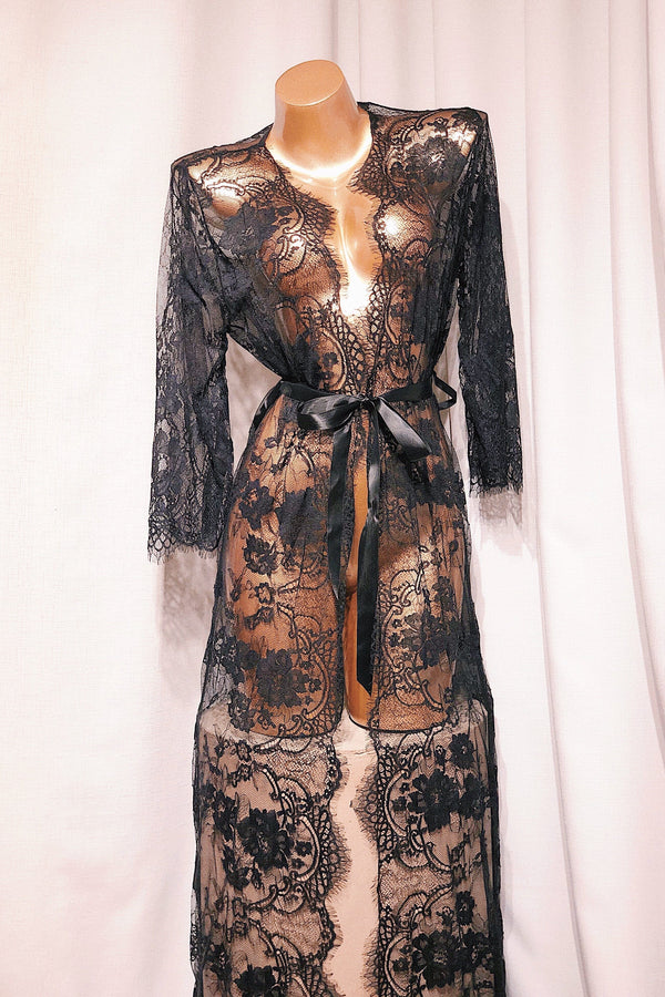 Hermosa Black Maxi Robe