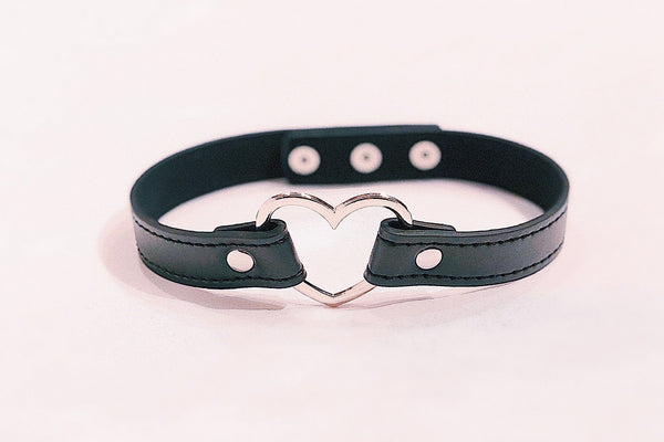 Chemical Love Choker