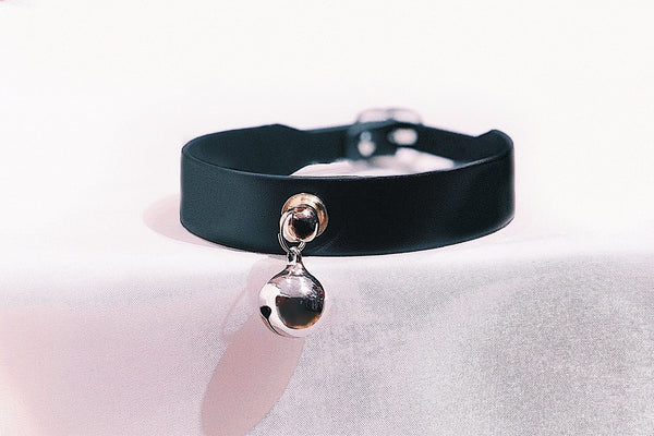 Here Kitty Kitty Choker