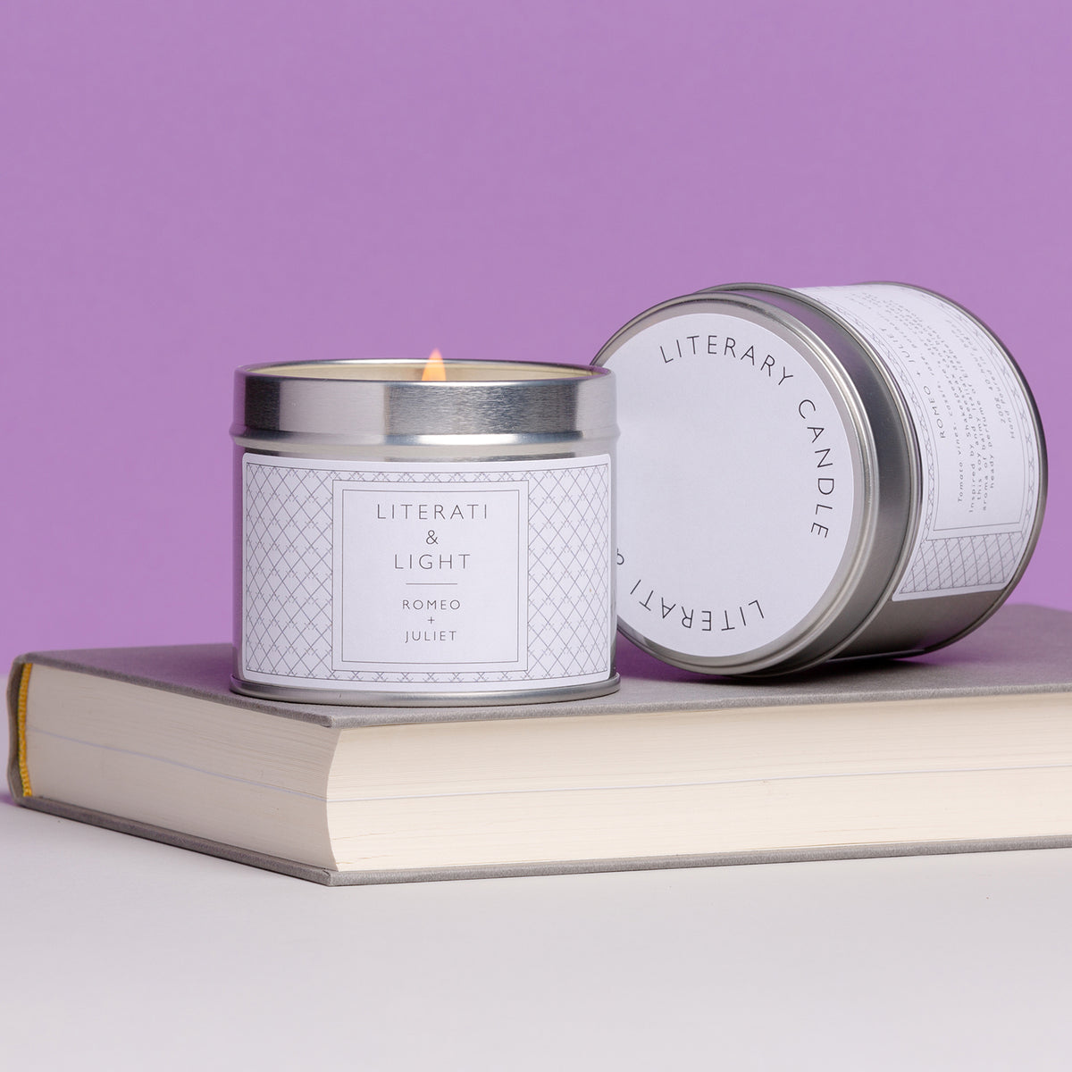 Romeo and Juliet Candle 200g candle on book