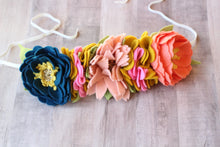 Load image into Gallery viewer, Full Frida Crown//fridakahlo//feltcrown//flowercrown//birthday//gifts//flowerheadband//feltflowerheadband