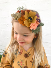 Load image into Gallery viewer, Slring crown  /felt/felt flower/ feltheadband/feltflower/feltaccesories/Fall/photoProps/newborn/kids/hair