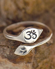 EVOLVE AND GROW - Adjustable Lotus and Om Ring