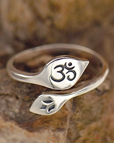 Adjustable Lotus and Om Ring - EVOLVE AND GROW