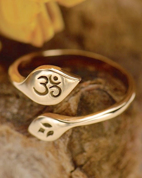 Bronze Adjustable Lotus and Om Ring - LIVE YOUR PURPOSE