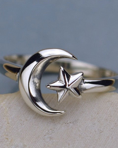 MYSTICAL DREAMER - Adjustable Moon and Star Ring