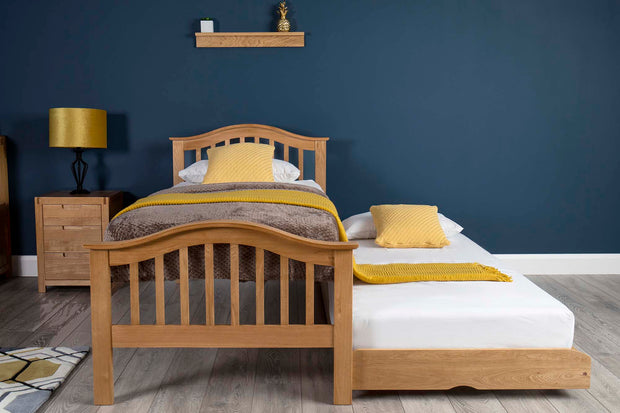 Chelsea Solid Natural Oak Guest Bed - 2ft6 Small Single - The Oak Bed Store