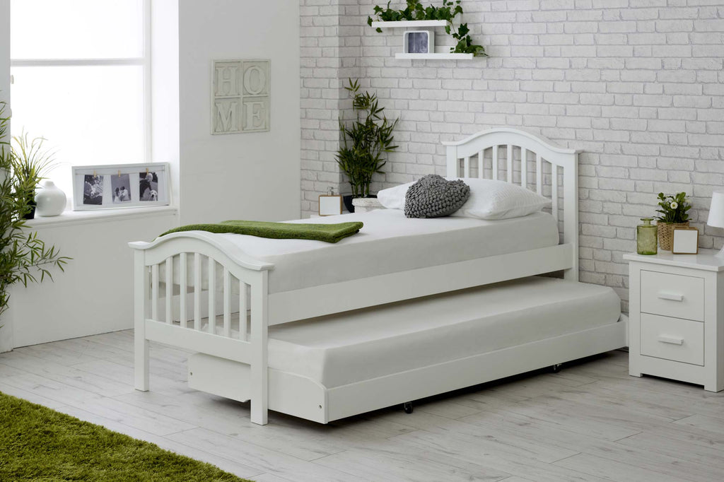 sale retailer 22ce4 7a6b8 Chelsea White Solid Wood Guest Bed - 2ft6 Small Single