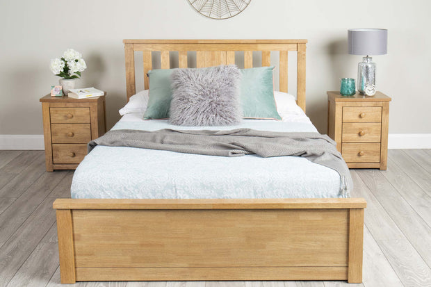 Chester Medium Oak Ottoman Storage Bed Frame - 4ft Small Double - The Oak Bed Store