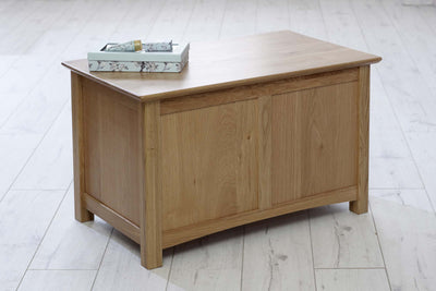 Thornton Oak Small Blanket Box - The Oak Bed Store