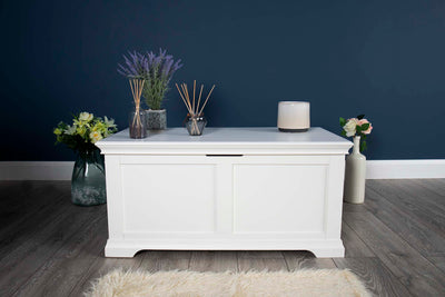 Westcott White Blanket Box