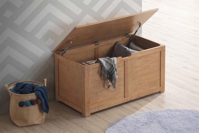 Chester Medium Oak Blanket Box - The Oak Bed Store