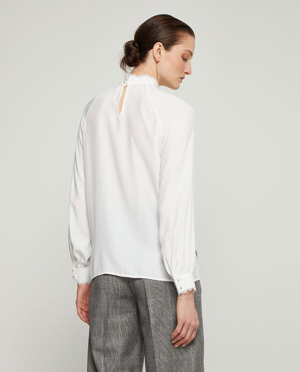 BLUSA BLANCA PUNTILLAS by MIRTO