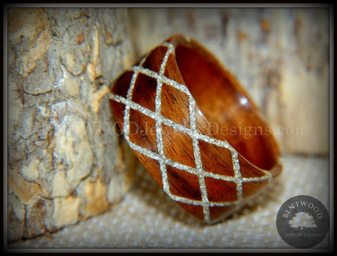 "Bentwood Ring -  ""Diamond Waffle"" Santos rosewood German silver glass inlay"