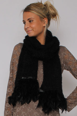 Soft Feather Scarf Black