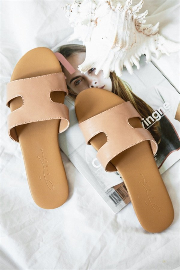 Cutout Slides - Tan