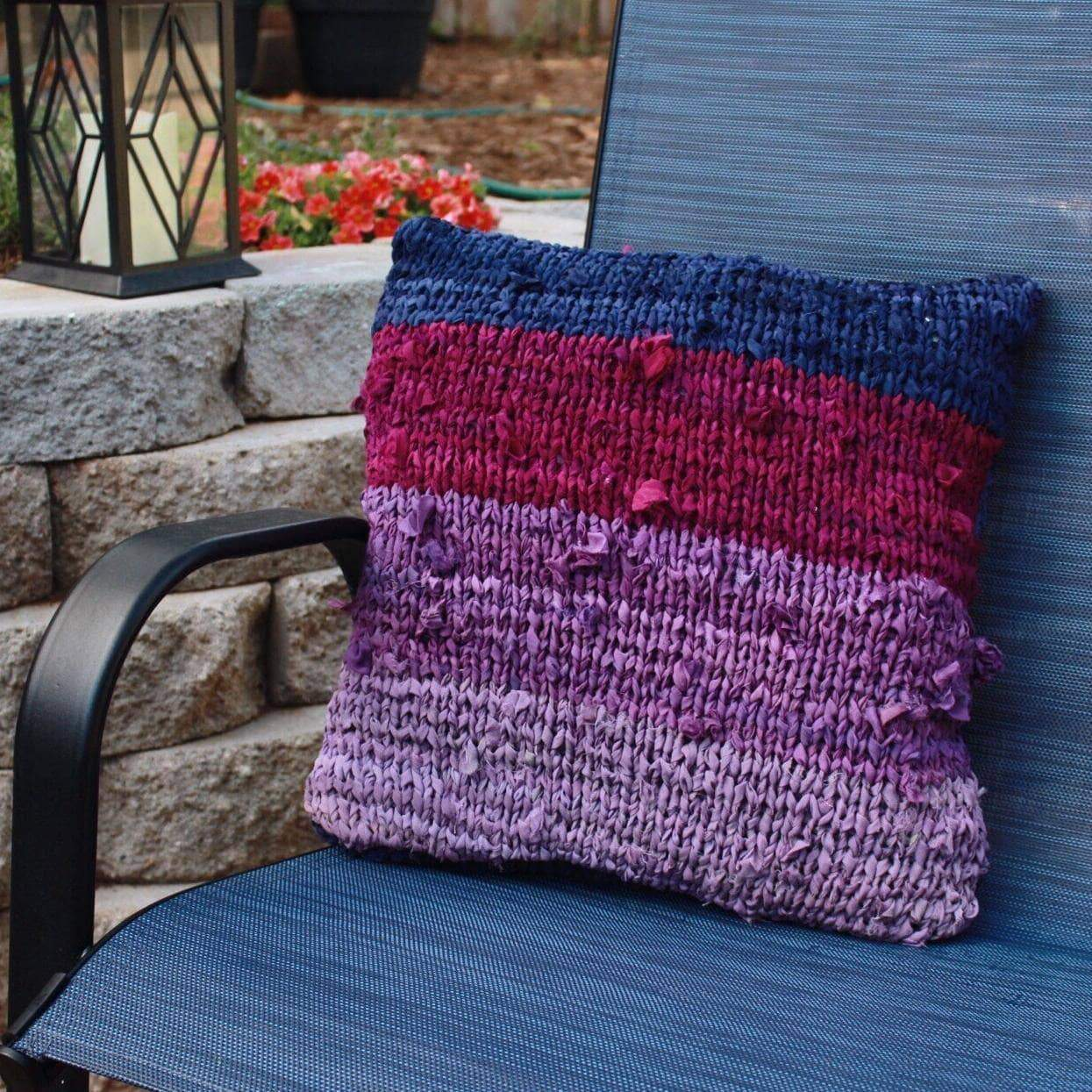 Ombre Chiffon Pillow Kit-Darn Good Yarn-superbulky