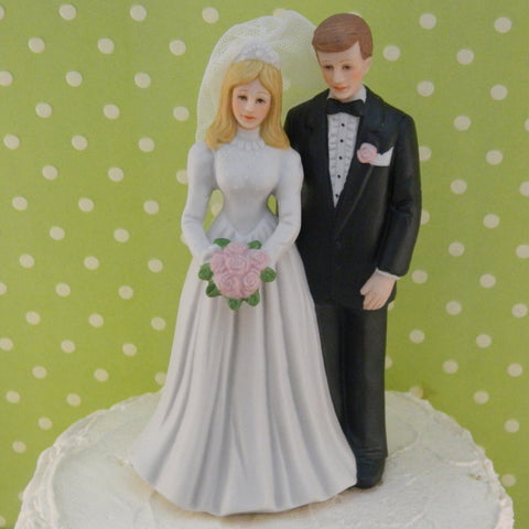 Vintage Bride and Groom Cake Top