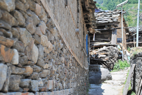 Stone & Wood Architecture, Himalayan hut