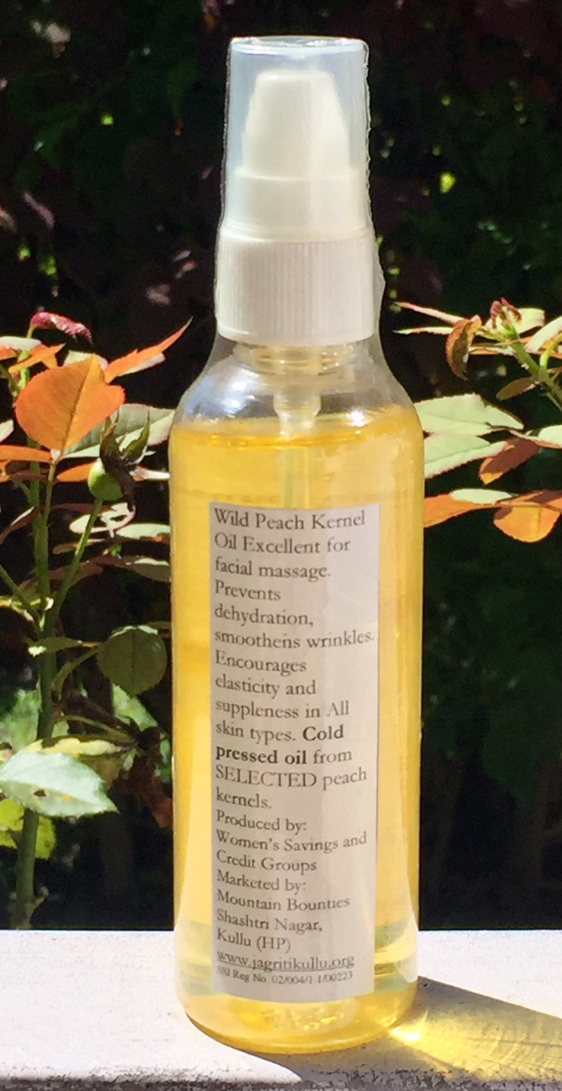 Peach kernel Extract oil. Natural, handmade