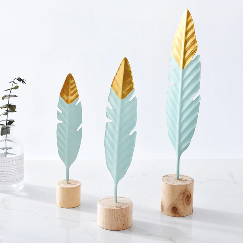 Beautiful Golden Tipped Metal Feather On Wooden Plinth Simple Nordic Home Decor Living Room Table Office Home Decoration Ornaments Accessories