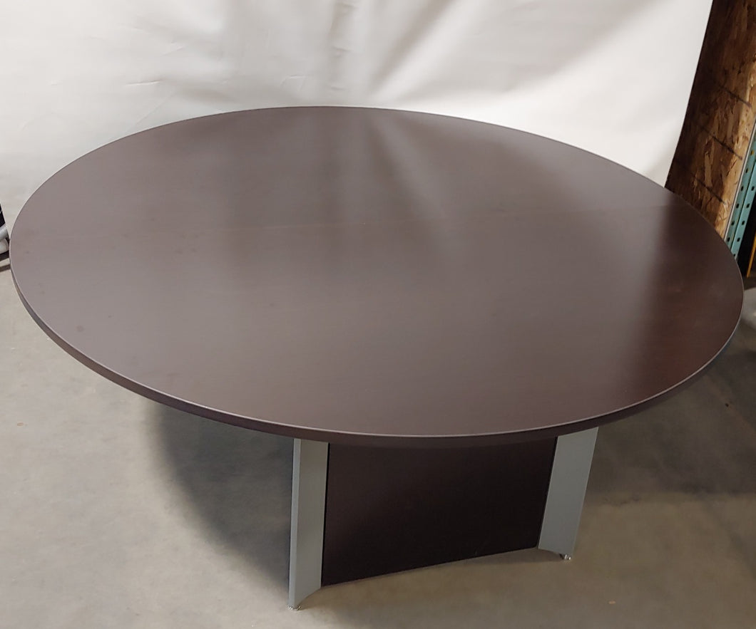 AW002 - Round Boardroom Table