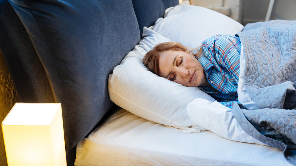 What can women do to get a better night's sleep if they do experience insomnia during the stages of menopause