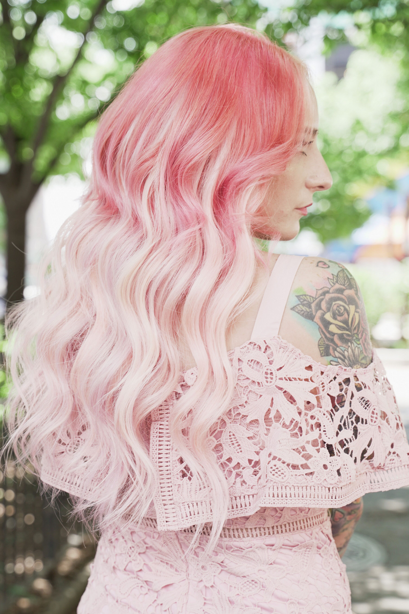 Ultra Seamless Tape In Hair Extensions Light Pink