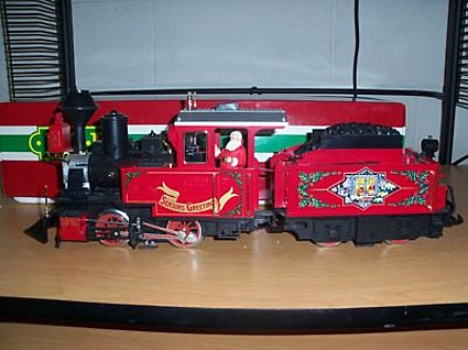 LGB 25171 Christmas Engine with Power Tender Set G-Scale NIB