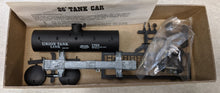 "Load image into Gallery viewer, Roundhouse 3366 ""Old Timer"" Tank Car - Union Tank Line #1763"