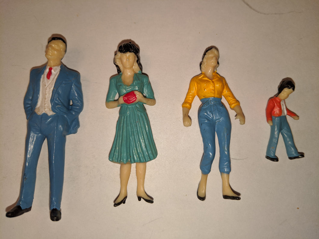 G-scale Lot Figures SC-103