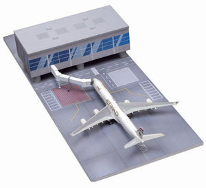1/400 Airport Terminal Section with Etihad Airways A340-600 (Straight Terminal Section)