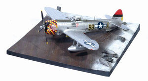 "1/72 P-47D-30 Thunderbolt ""Five by Five"", 362nd FG + Airfield Base"