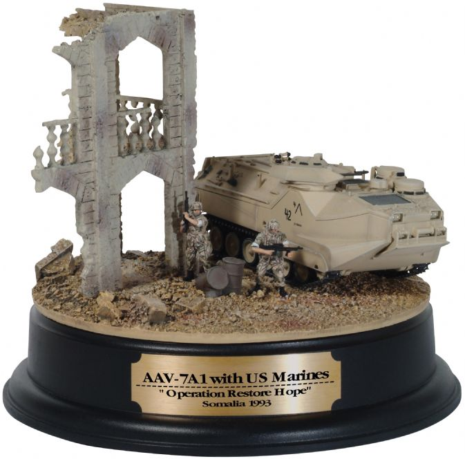"1/72 AAV7A1 w/US Marines, ""Operation Restore Hope"", Somalia 1993 + Diorama Building"